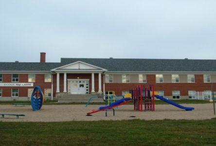 Les comités de sauvegarde des écoles de Godbout et de Franquelin se mobilisent