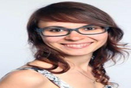Chapeau, les filles! : Stéphanie Sauvé tire sa bûche
