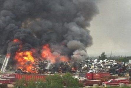 Un tas de ferraille prend feu chez Baie-Comeau Métal