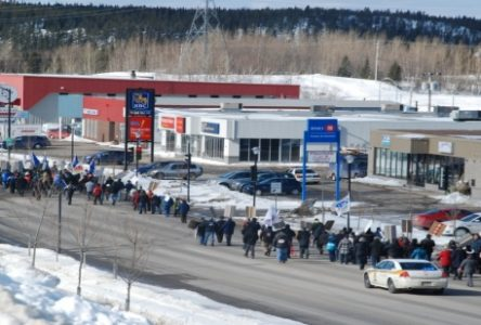Assurance-emploi : les manifestants déferlent sur La Salle