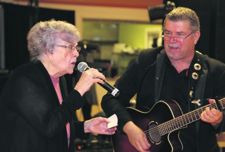 À 88 ans, Rita Verreault chante pour les personnes âgées