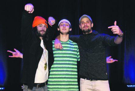 Un numéro de rap charme le jury de Cégeps en spectacle