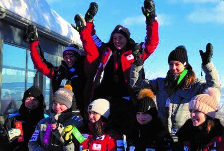 Sofia Savard monte sur le podium au Massif de Charlevoix