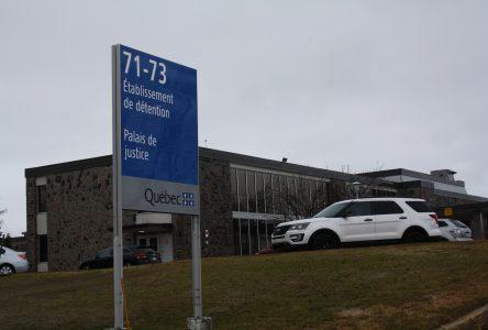 Un homme de 51 ans arrêté pour crimes sexuels sur une personne mineure