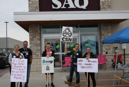 Dixième journée de grève à la SAQ jeudi
