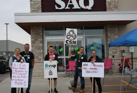 Le personnel de la SAQ en grève