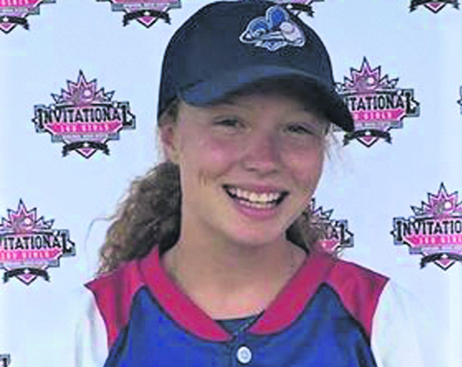 Équipe Québec U14 de baseball – Maïka Lowe vit une très belle aventure sur le terrain