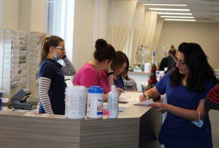 Le CISSS recrute six infirmières et infirmiers en France