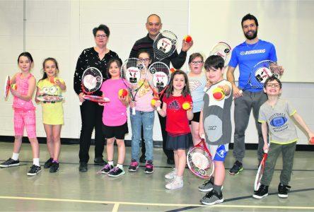 Grâce à la Fondation Bon Départ – Le mini-tennis sera en vedette à l'école Richard