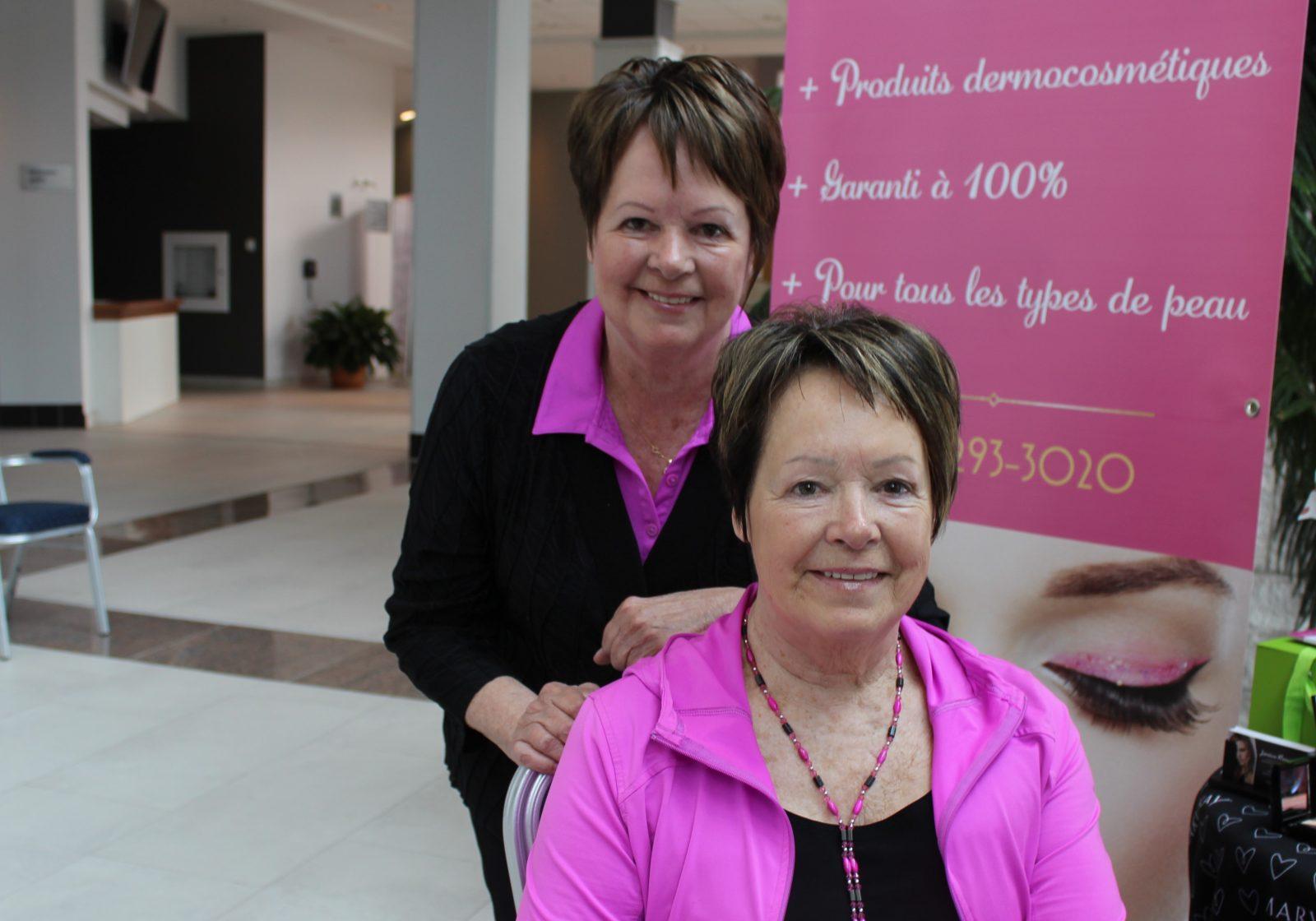 Se faire photographier et encourager la cause du cancer du sein