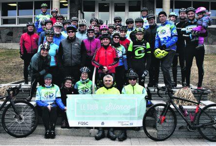 Trente-sept cyclistes participent au Tour du Silence