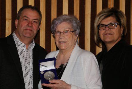 Le lieutenant-gouverneur honore 14 bénévoles