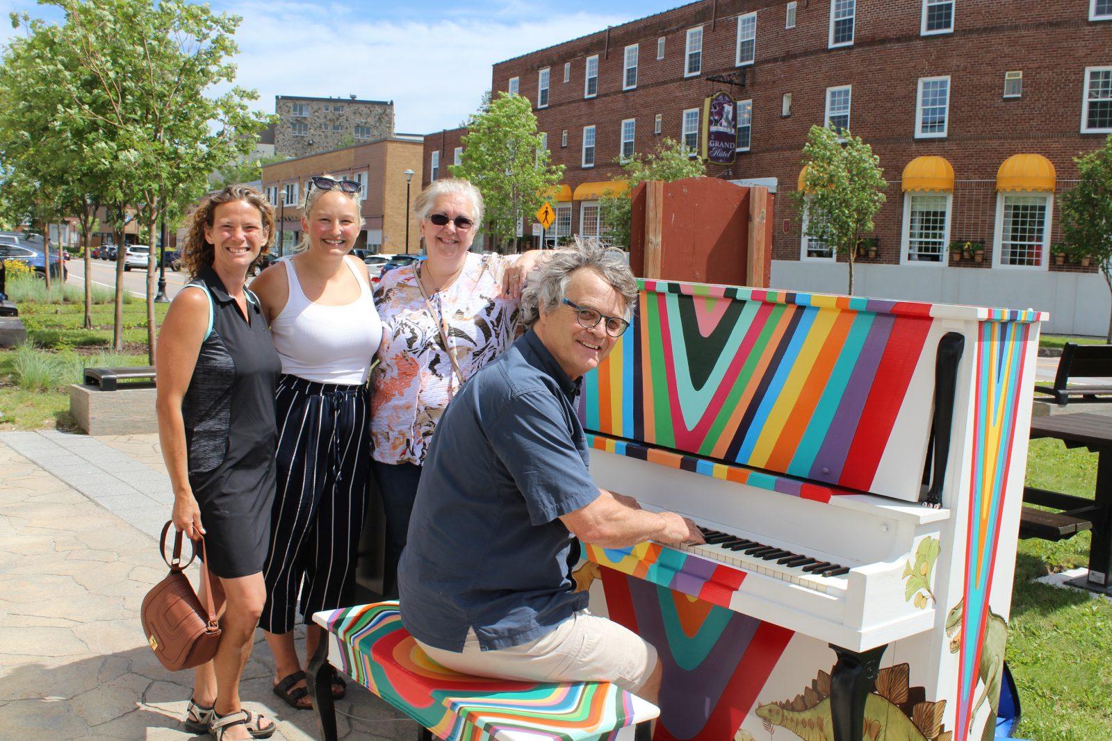 Baie-Comeau inaugure son premier piano public