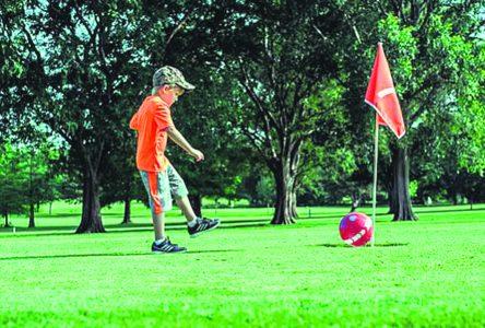Le soccergolf fait ses débuts au club de golf