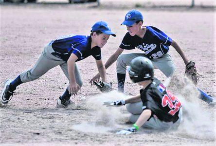 Baseball mineur: l'état des terrains inquiète toujours