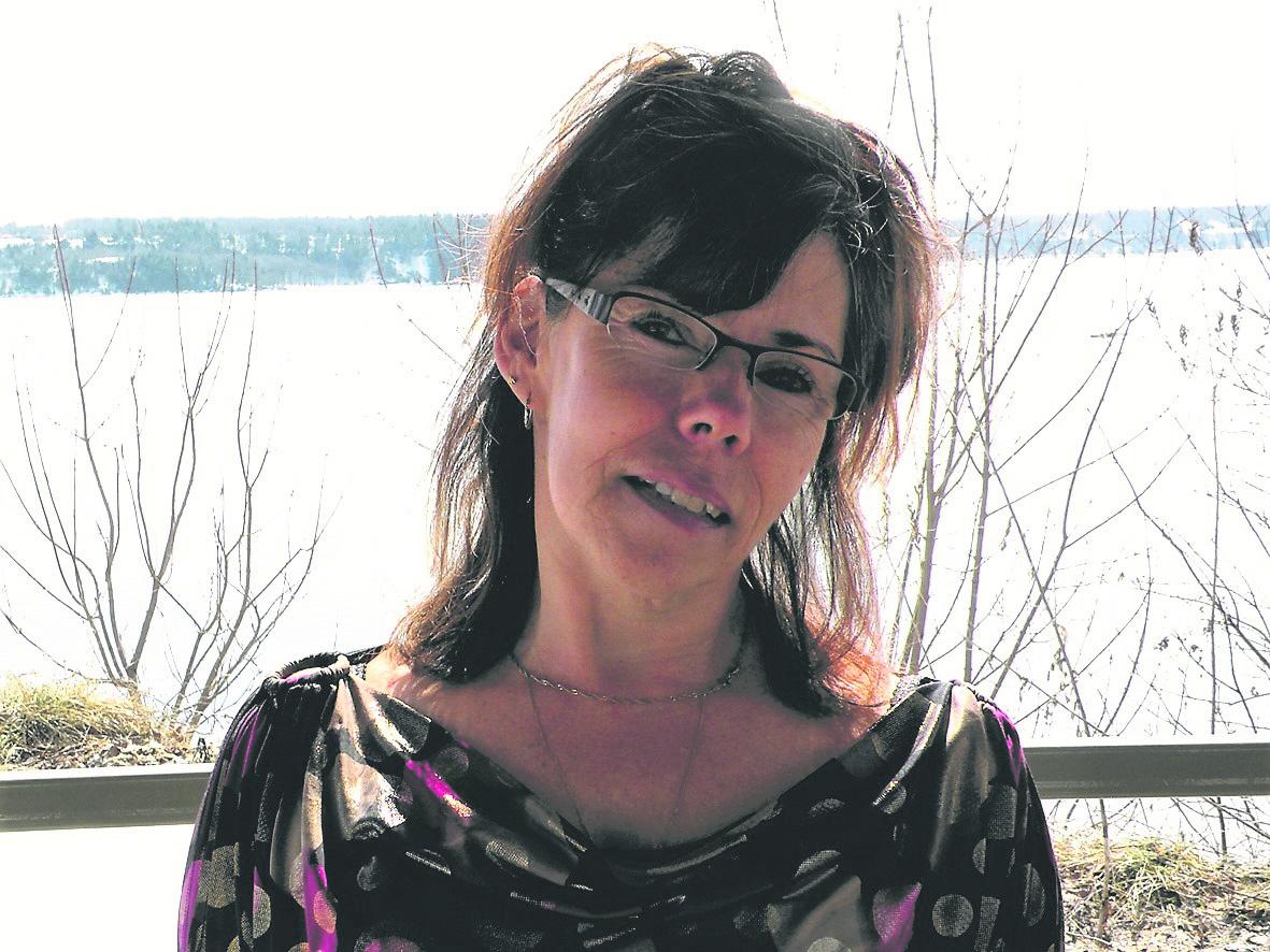 Un sixième roman jeunesse pour l'ancienne Baie-Comoise – Carole Dion ramène Magalie et ses amis