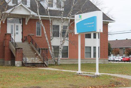 Québec autorise la démolition de l'ancien centre administratif de la CSE
