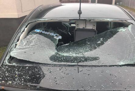 Des véhicules vandalisés à Sept-Îles