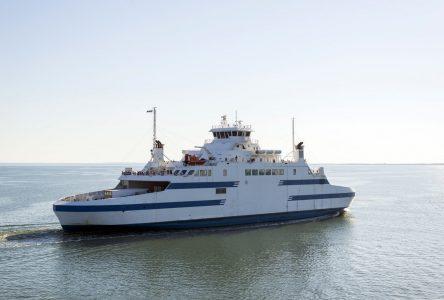 Le<i>Saaremaa I</i> reste à quai jusqu'à 14 h 30