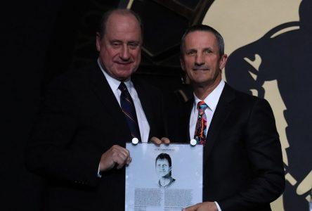 Intronisation de Guy Carbonneau – Une fierté pour des hockeyeurs qui l'ont côtoyé