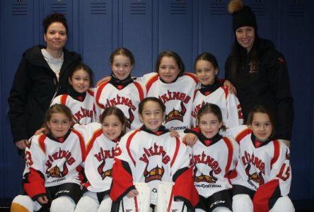 Une équipe féminine à 100 % au 60e Tournoi de hockey mineur