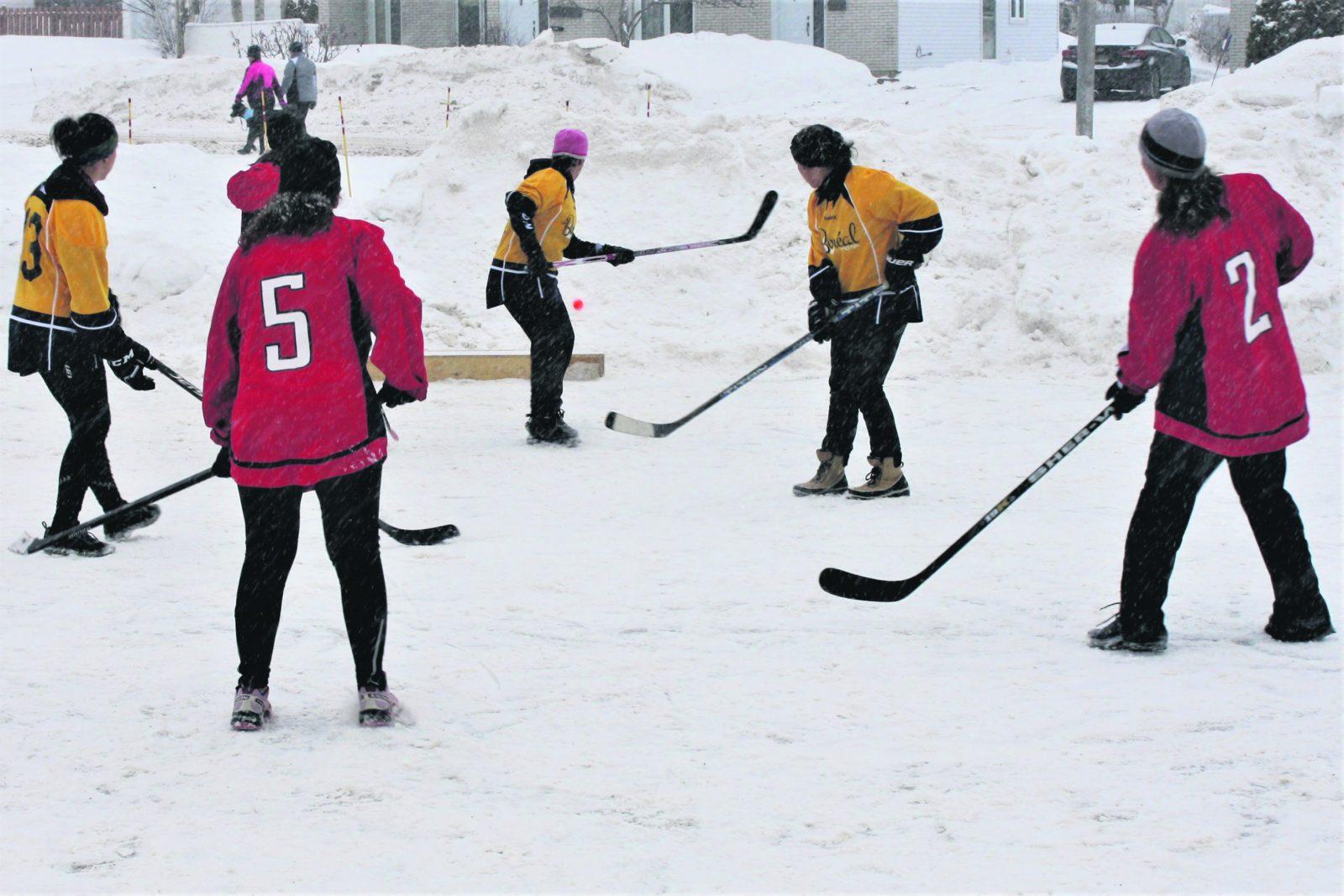Le 7e tournoi de hockey de rue récolte 15000 $