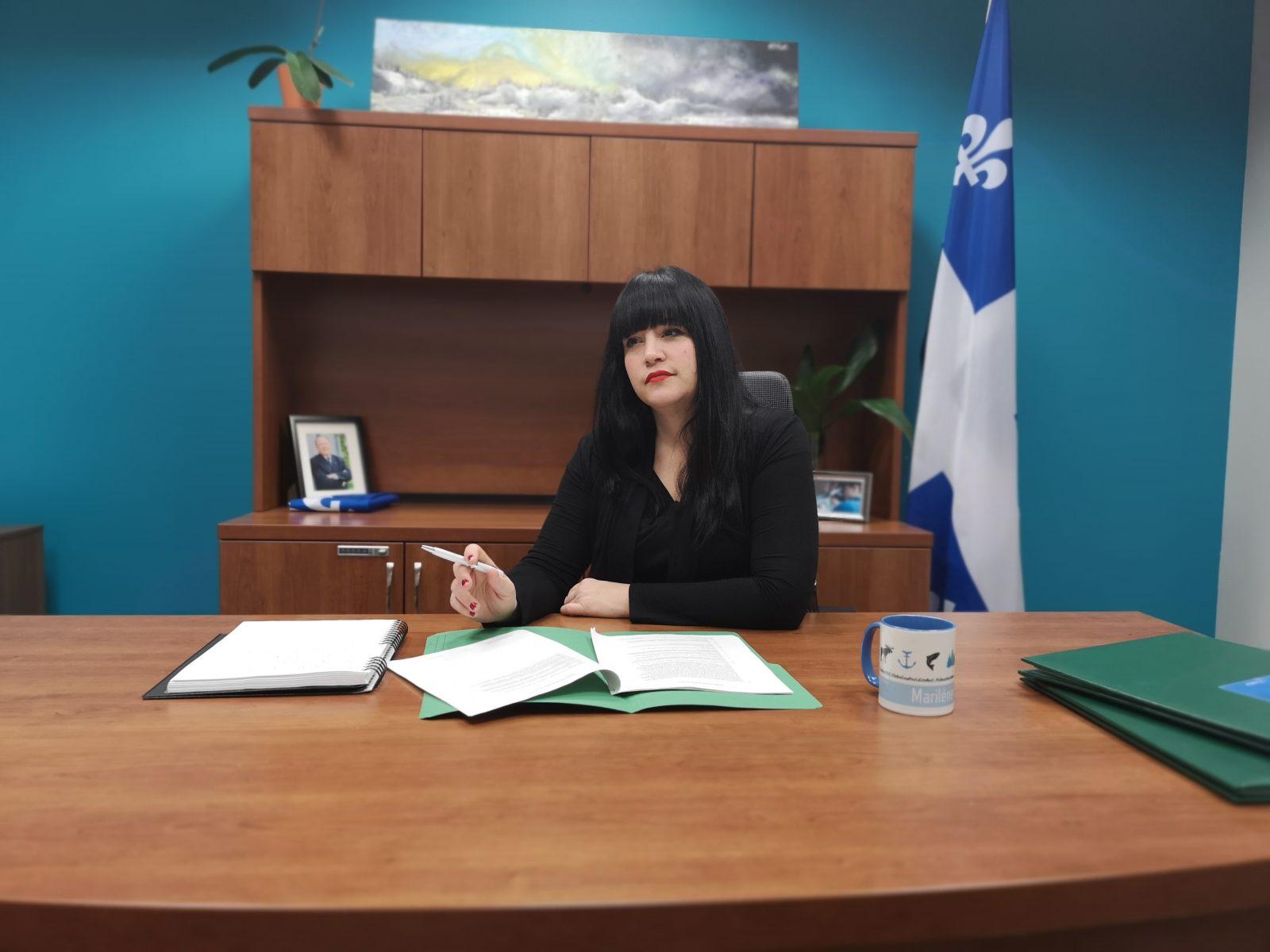 Marilène Gill propose la boîte à tarif fixe pour l'envoi de colis en Basse-Côte-Nord