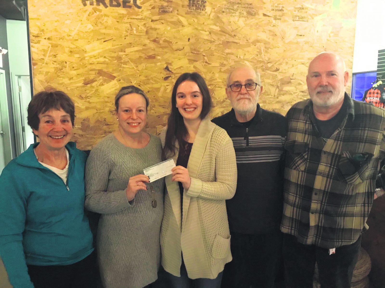 Johannie Drolet reçoit une bourse de la Fondation Comeau