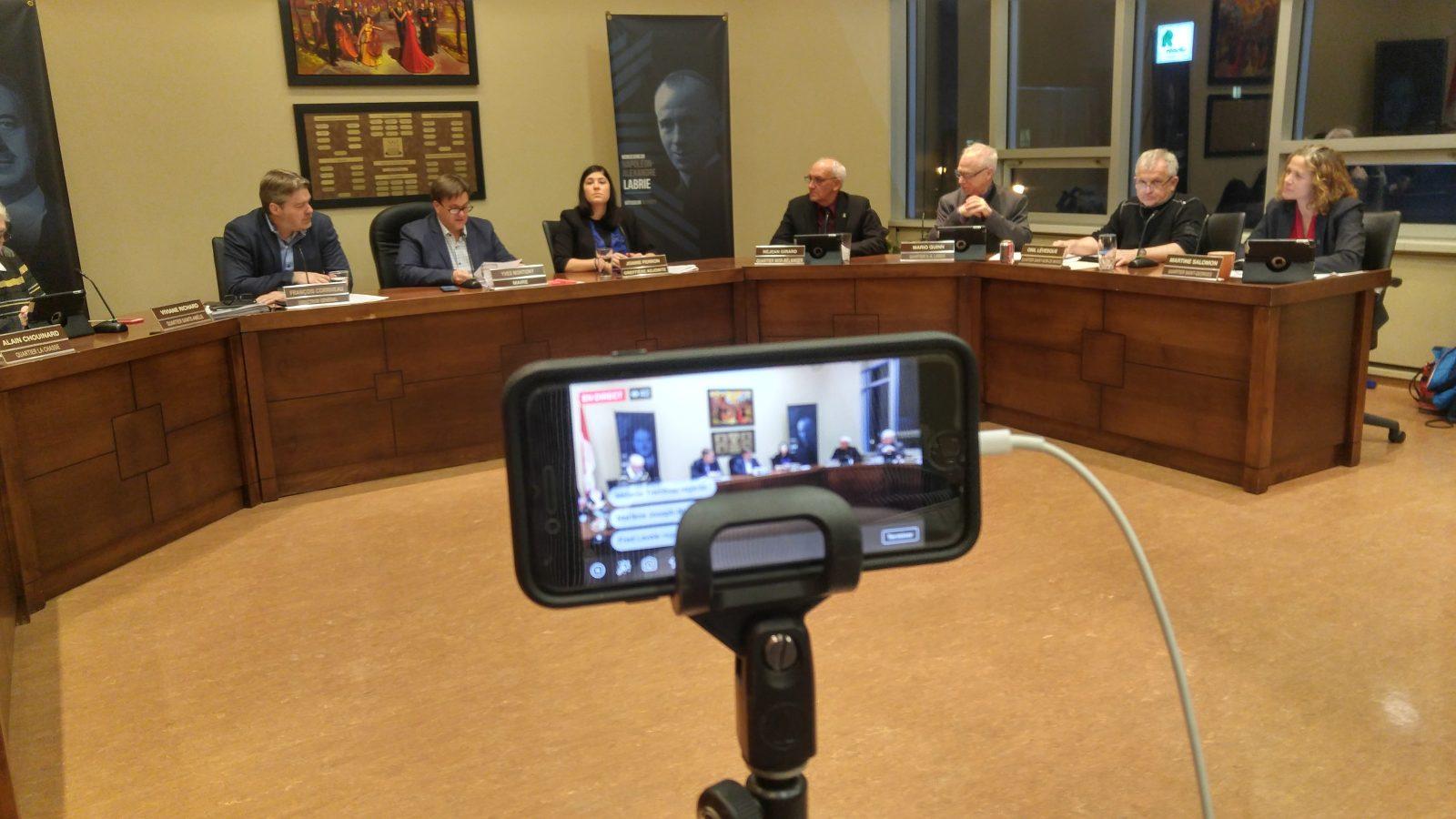 COVID-19 : Baie-Comeau interdit l'accès du public à ses bâtiments administratifs
