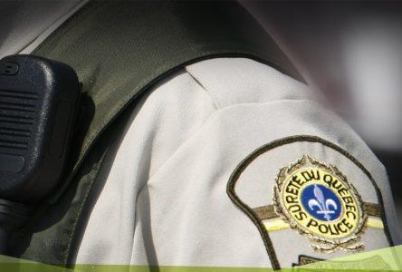 COVID-19 : un premier contrevenant infecté fait l'objet d'une intervention policière au Québec