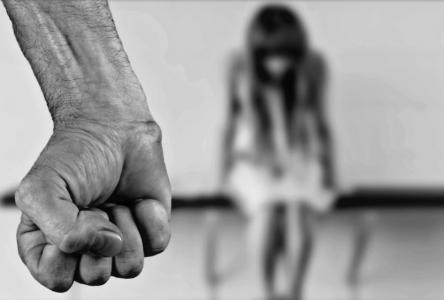 De l'oxygène aux refuges pour femmes victimes de violence