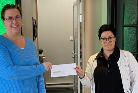 COVID-19 : la commission scolaire multiplie les dons d'argent, mais aussi les dons de soi