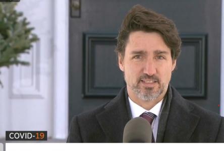 Justin Trudeau veut augmenter le salaire des travailleurs de la santé