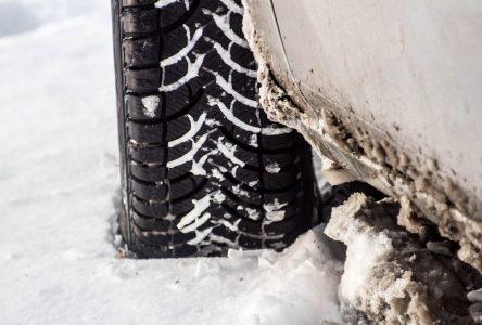 La pose des pneus d'été peut attendre
