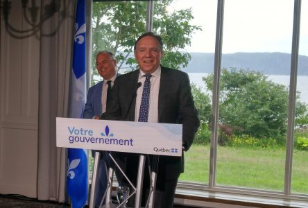 Le premier ministre Legault prend le pouls de la région