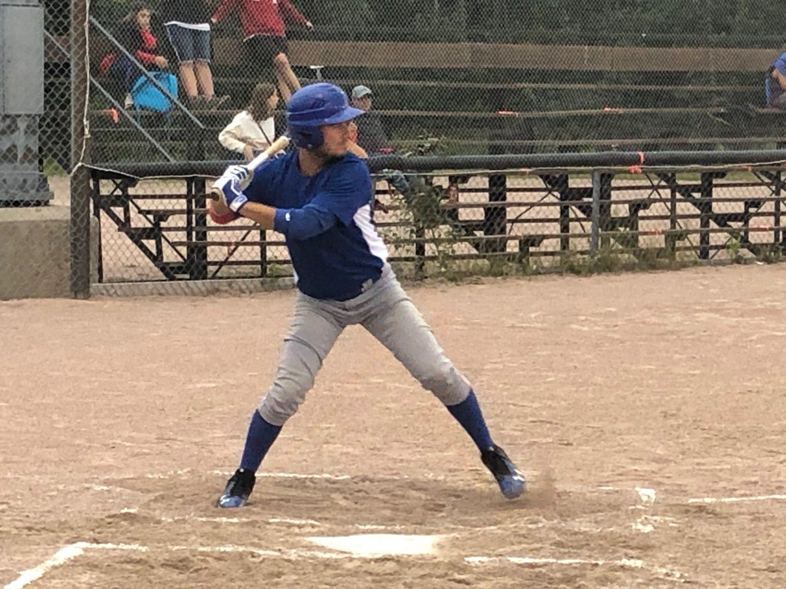Bon départ pour deux formations au baseball senior
