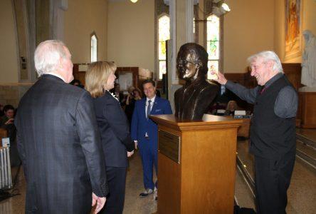 La ministre de la Culture honore Jérémie Giles