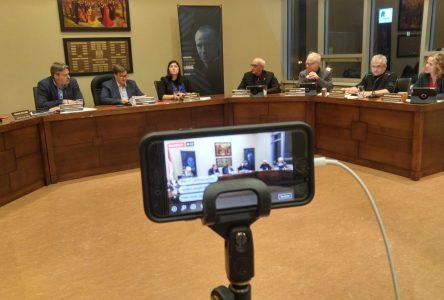 Le public sera à nouveau admis dans les séances des conseils municipaux