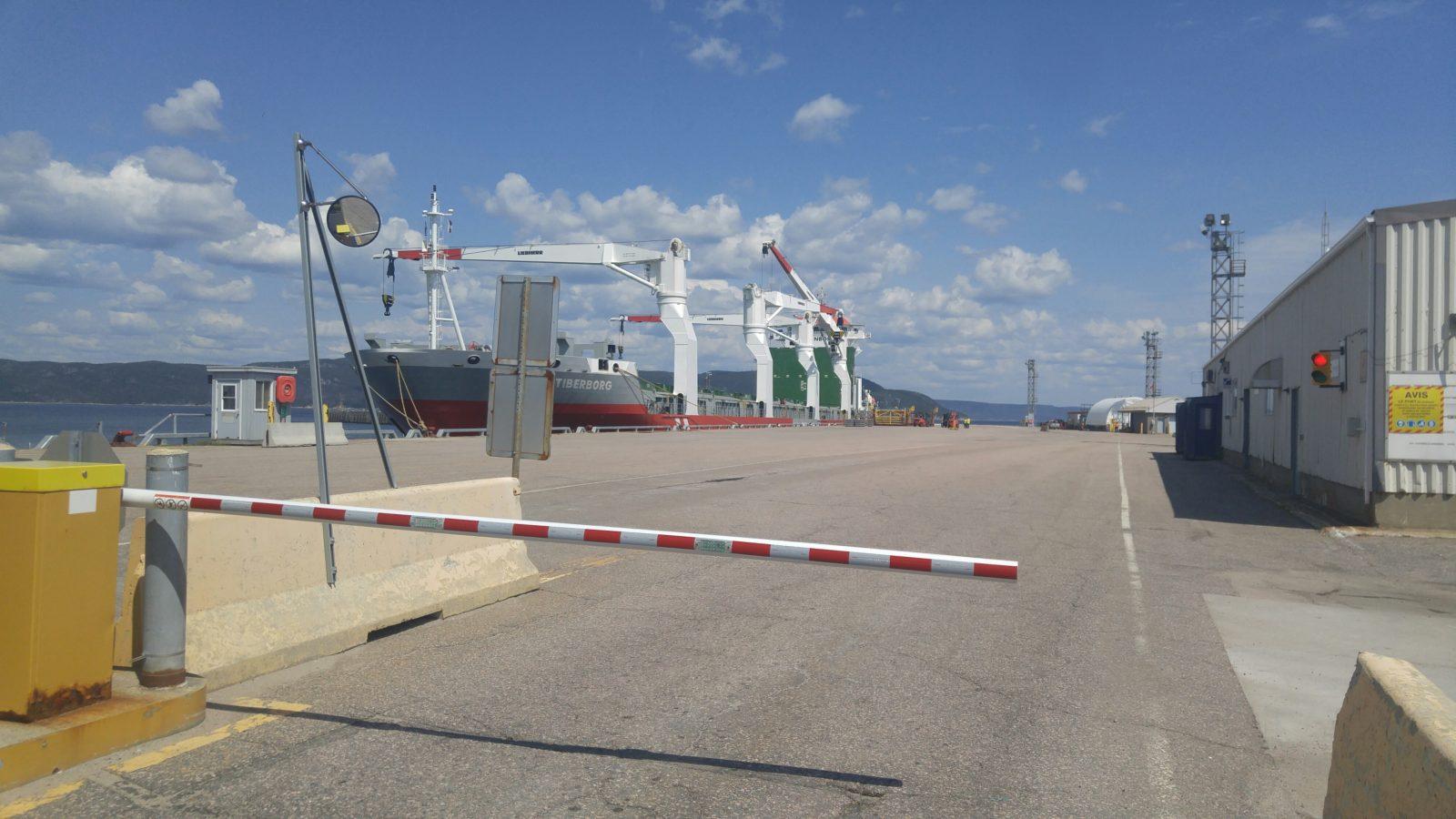 Du nitrate d'ammonium transite par le port de Baie-Comeau