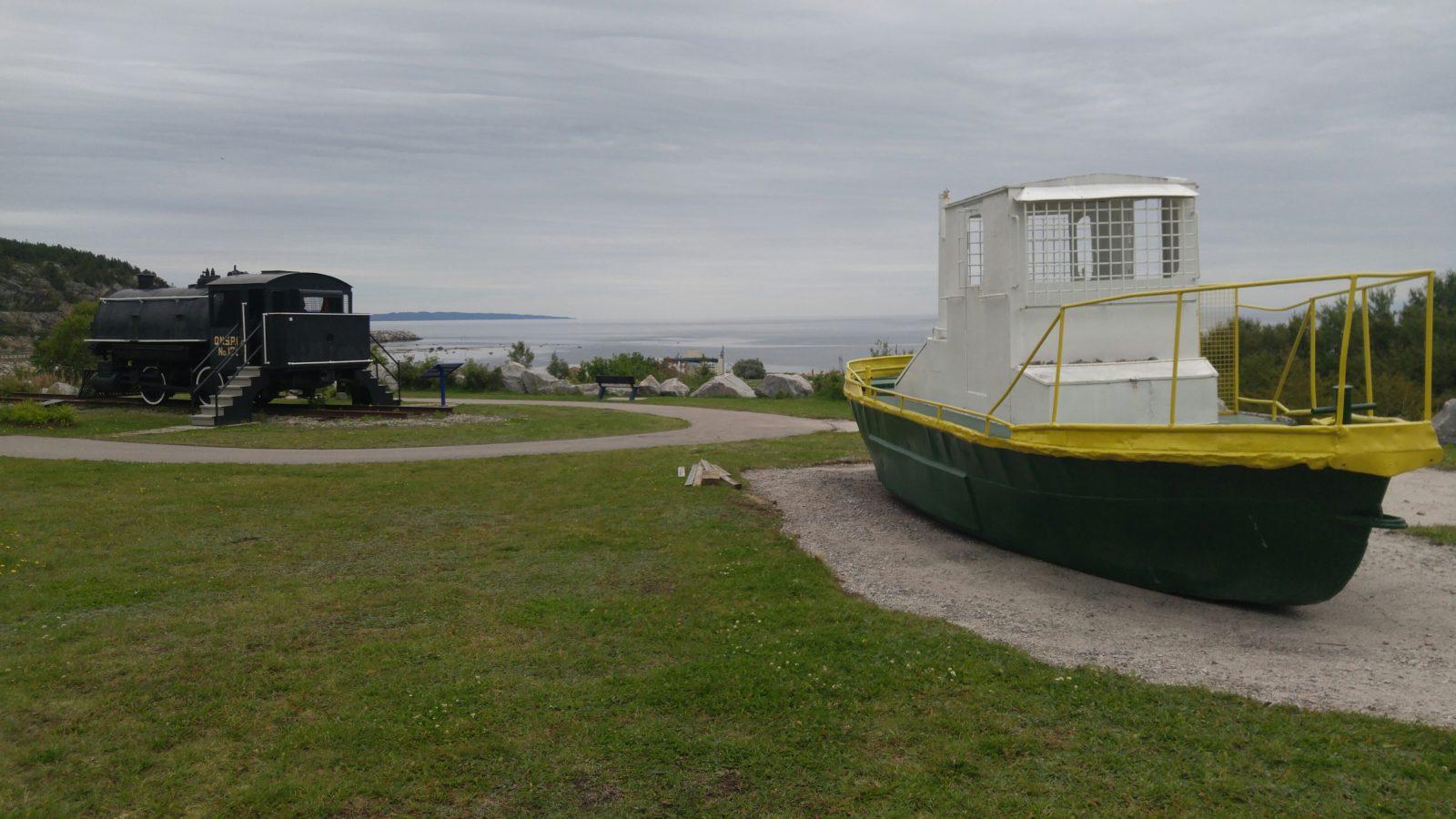 Un bateau d'époque fait son apparition au parc des Pionniers