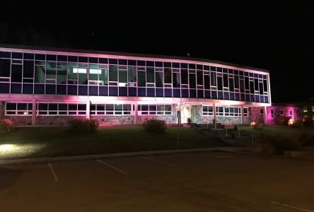 Baie-Comeau en rose contre le cancer du sein