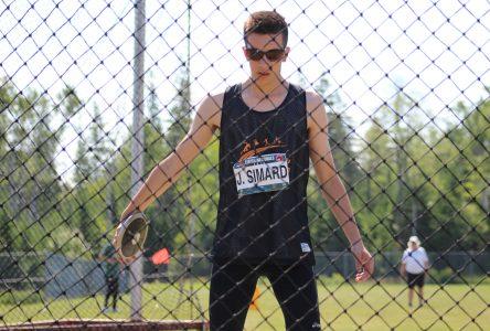 Justin Simard joint l'équipe de décathlon de l'Université Laval