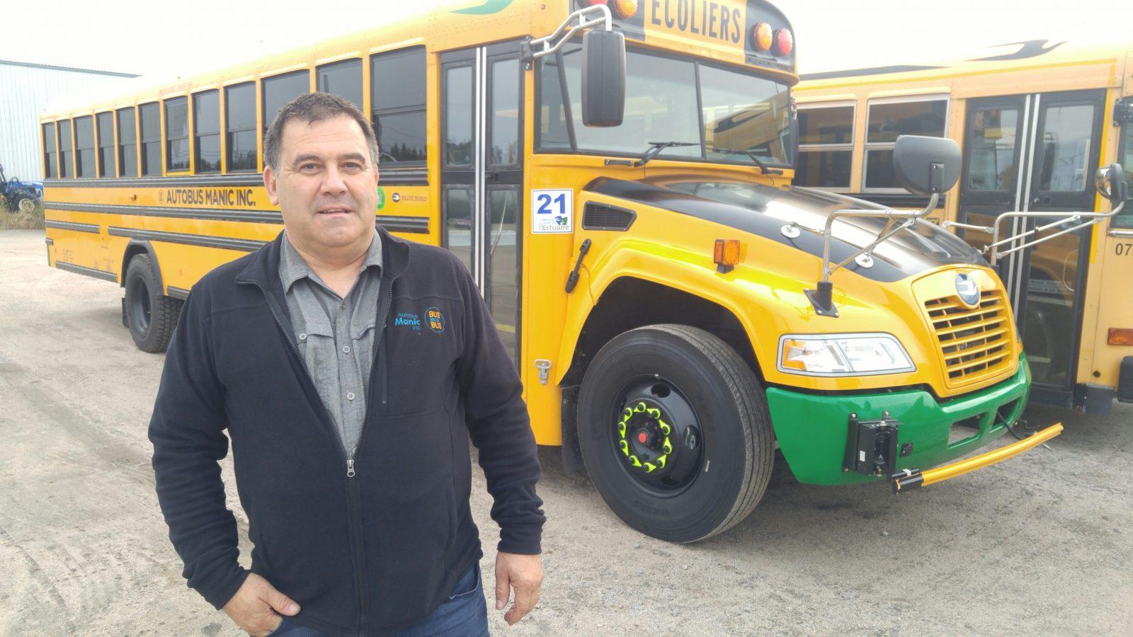 Autobus Manic prend le virage vert