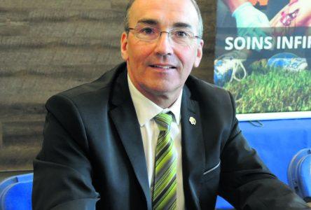 Claude Montigny reçoit la médaille de l'Assemblée nationale