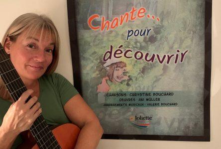 Chrystine Bouchard lance <i>Chante pour découvrir</i>